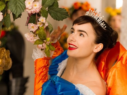白雪姫 リリー・コリンズ