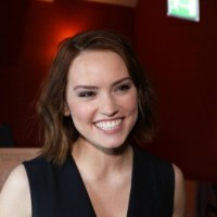 http://daisy-ridley.net/photos/displayimage.php?album=lastup&cat=2&pid=17613#top_display_media