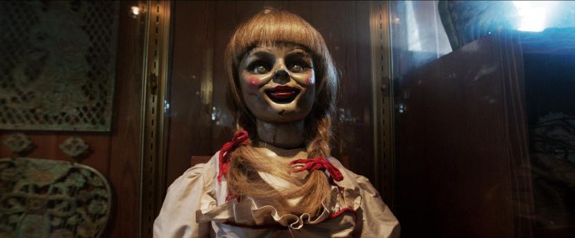アナベル人形『死霊館』