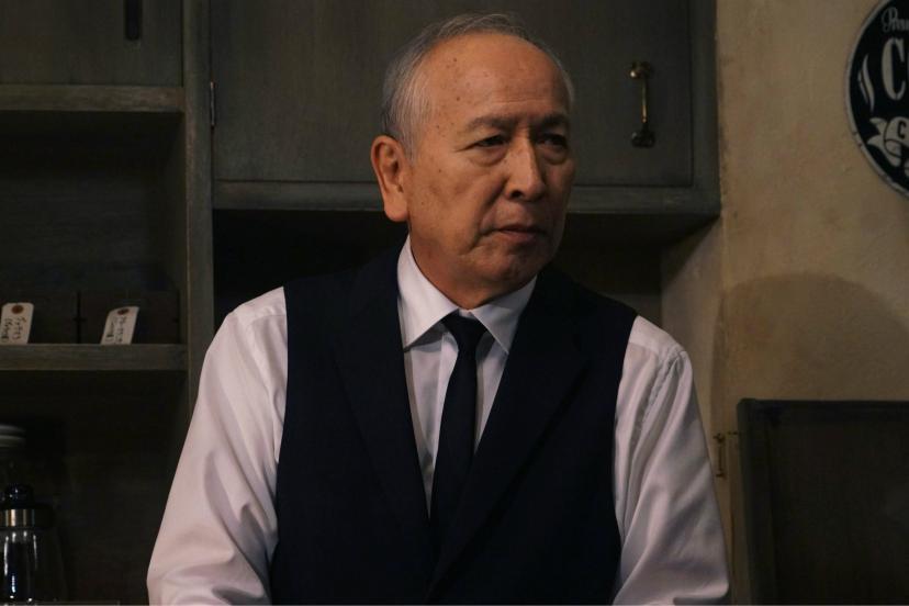 芳村功善(村井國夫)