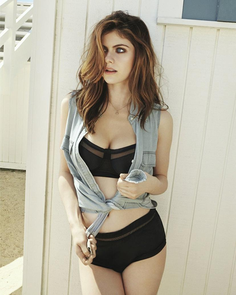 Alexandra Daddario 8x10 Celebrity Photo #12