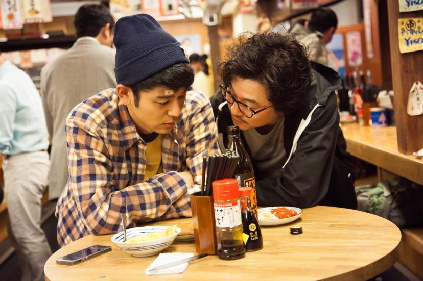 画像右側、新井浩文『奥田民生になりたいボーイと出会う男すべて狂わせるガール』