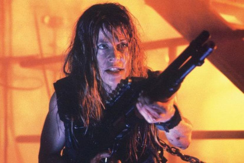 Linda Hamilton 24x36 Poster Terminator 2 with rifle