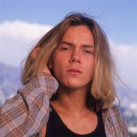 リバー・フェニックス、23歳で早世した天才俳優の軌跡