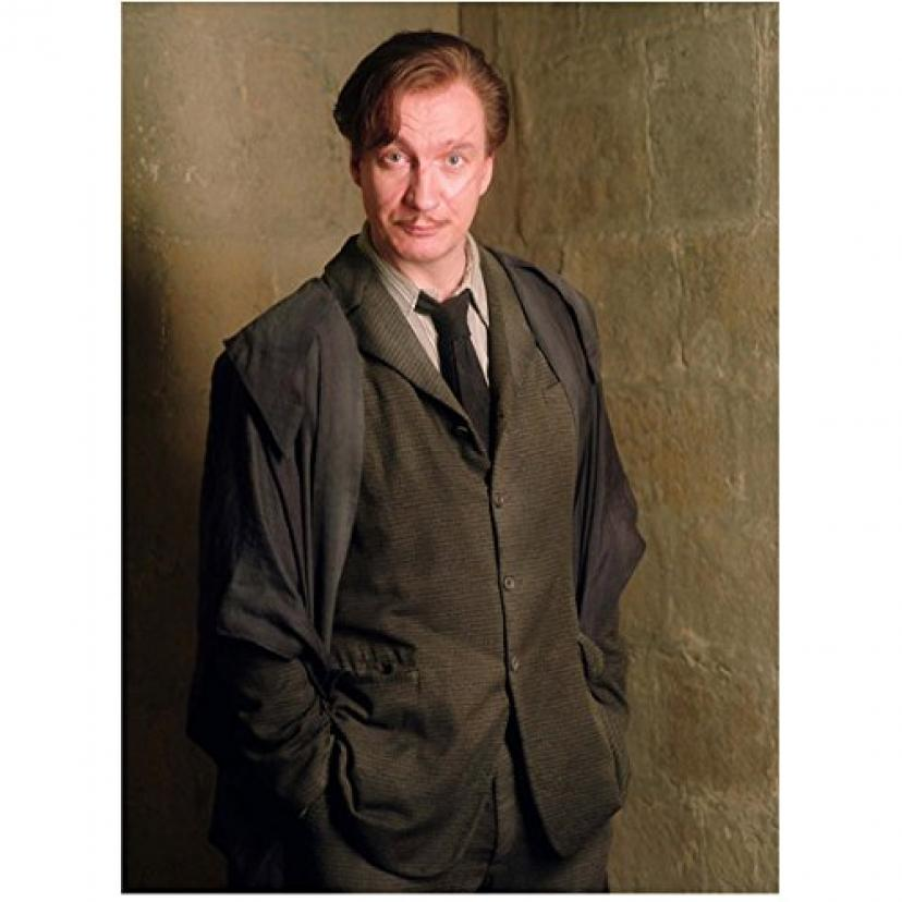 Harry Potter Photo 8 inch x 10 inch PHOTOGRAPH David Thewlis Wearing Grey Standing in Corner of Concrete Block Wall Pose 2 kn