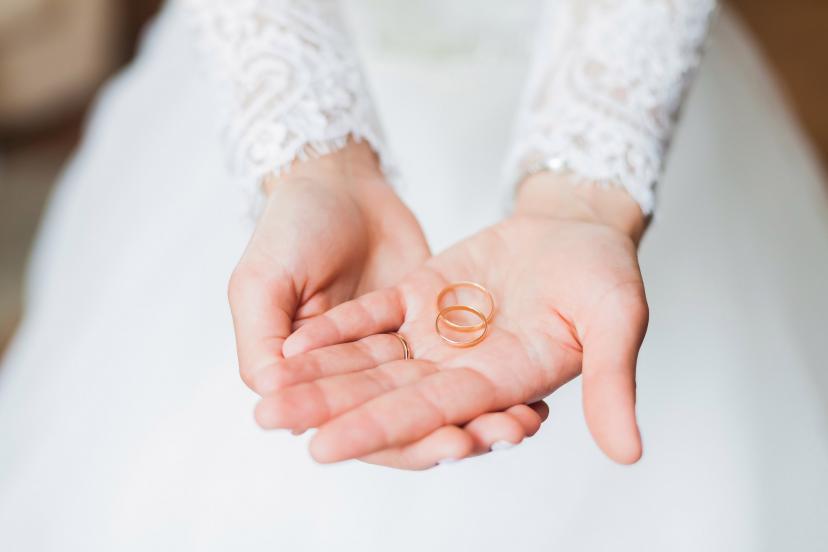 ウェディング 指輪 フリー画像