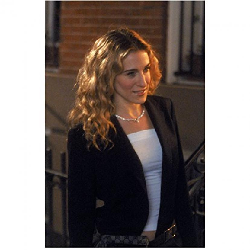 Sex and the City 8x10 Photo Sarah Jessica Parker Black Jacket Over White Top Outside of Apartment kn[サラ・ジェシカ・パーカー]