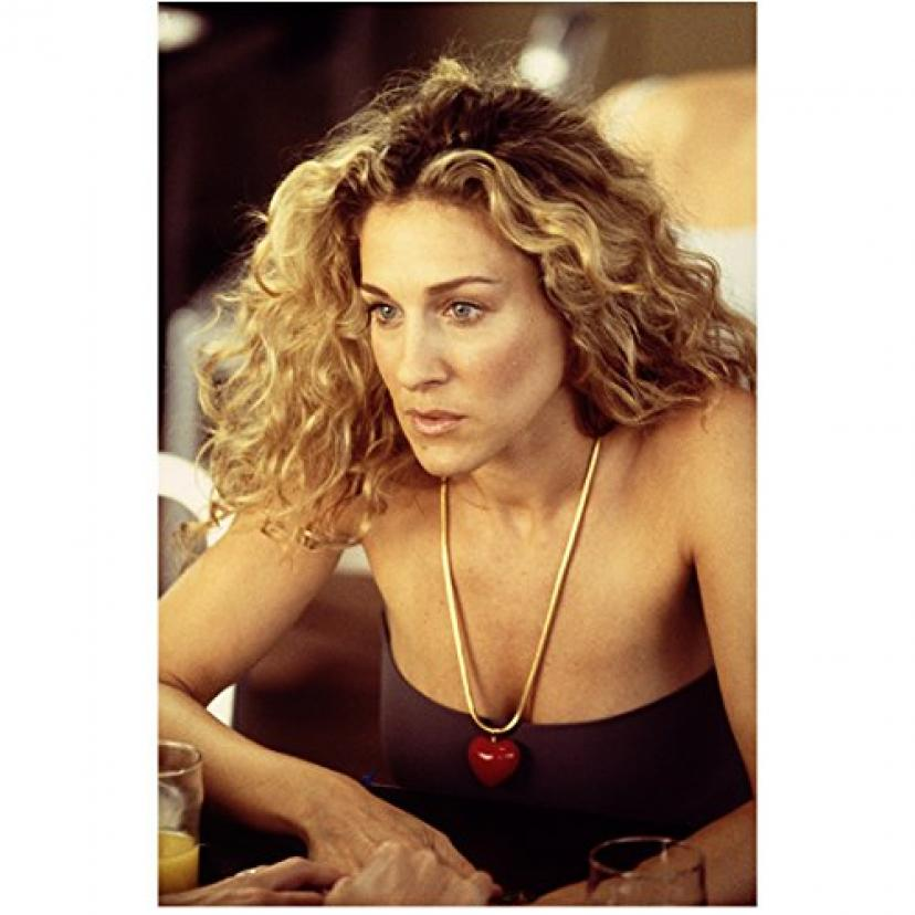 Sex and the City 8x10 Photo Sarah Jessica Parker Purple Tube Top Red Heart Necklace Looking Concerned kn[サラ・ジェシカ・パーカー]