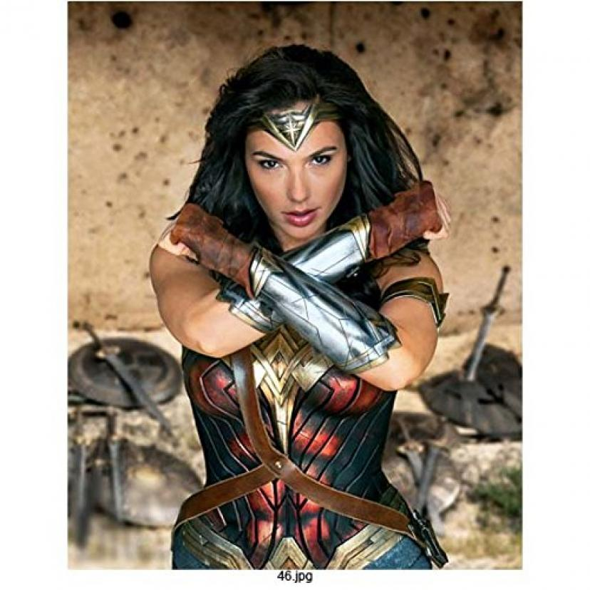 Wonder Woman Gal Gadot with arms crossed 8 x 10 Inch Photo[ワンダーウーマン][ワンダー・ウーマン]