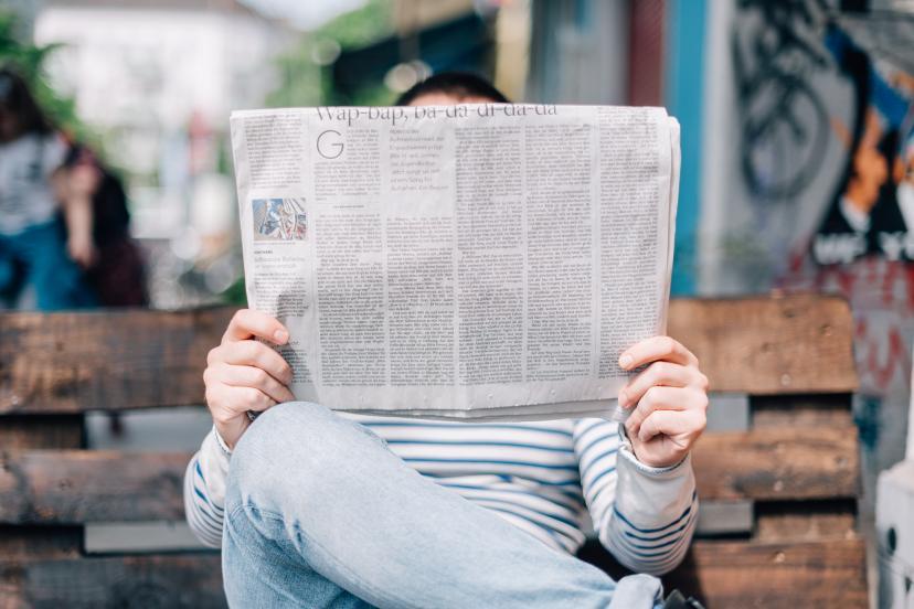 ニュース 新聞 フリー画像