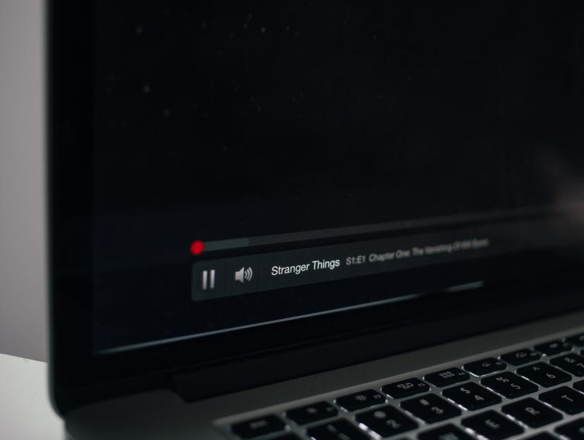 PC Netflix 動画 フリー画像