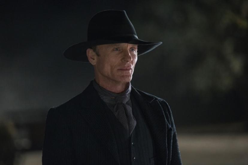黒服の男『ウエストワールド』