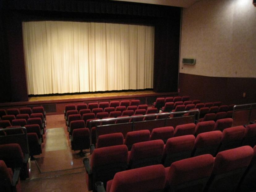 映画館(フリー画像)