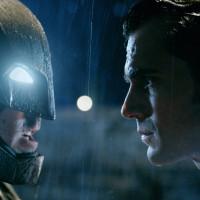 「バットマン vs スーパーマン」を全力で復習・考察 DC2大ヒーローが衝突した理由とは?