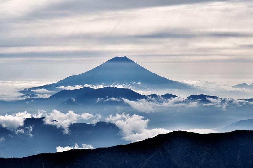 富士山 空 山 フリー画像