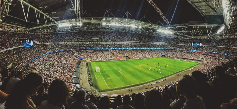 スタジアム 観客 サッカー
