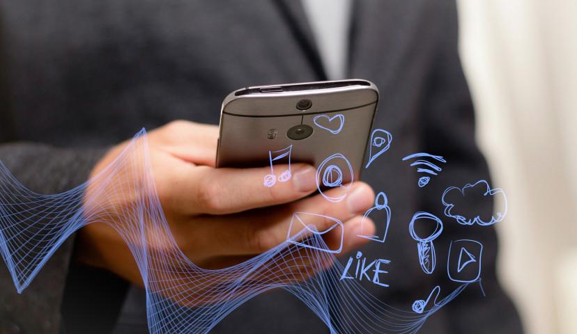 モバイル Wi-FI、wifi、スマホ、インターネット、フリー素材