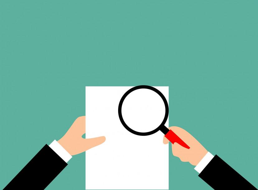 検討、虫眼鏡、書類、フリー素材